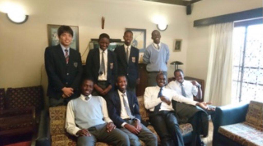 本校高等部2年生がケニアの姉妹校を訪問
