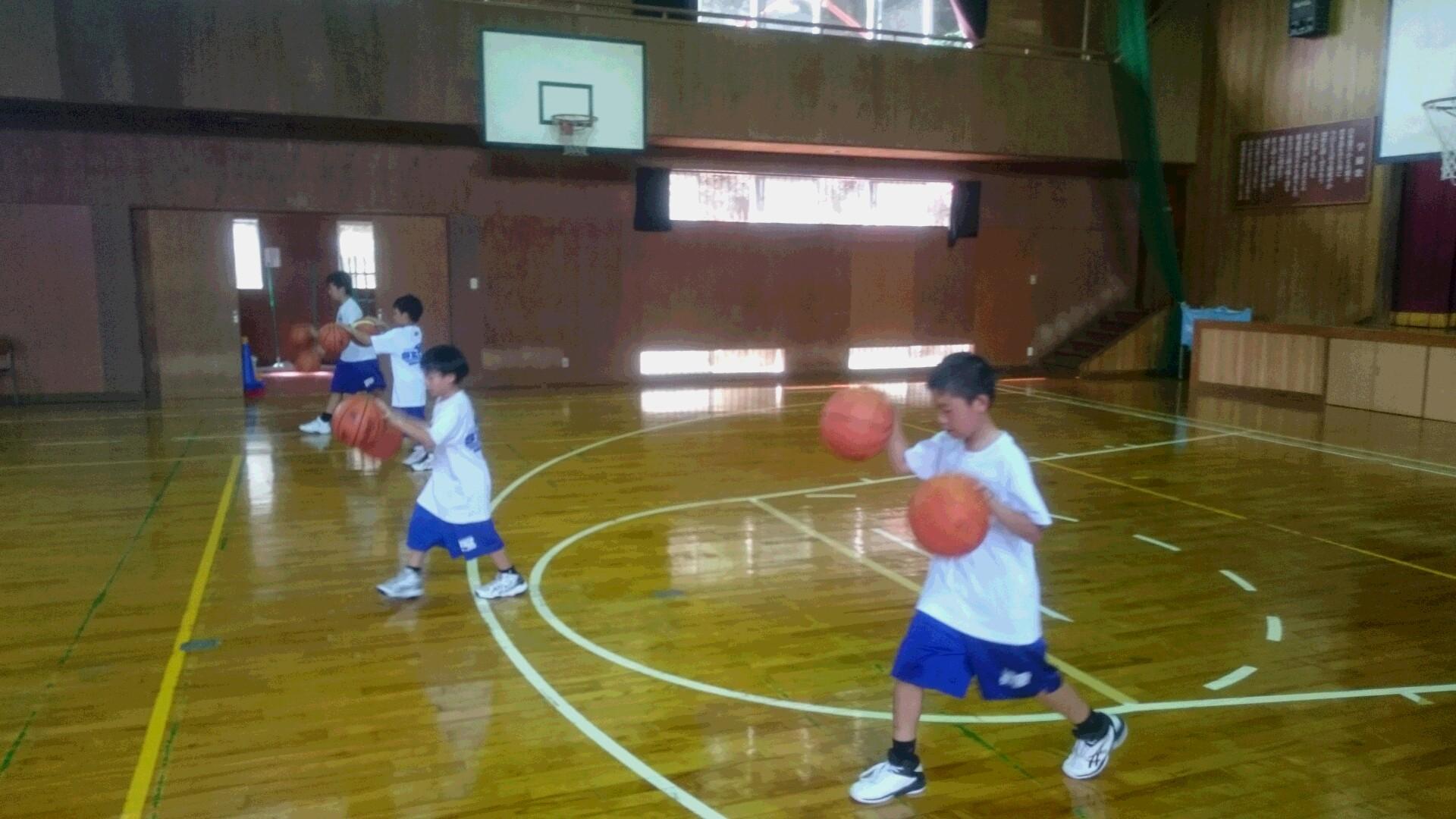 ミニバスケットボールの夏休み練習